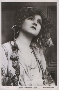 "Gabrielle Ray as ""Frou Frou"" in ""The Merry Widow"" 1907 (J. Beagles 733 R)"