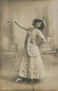 "Gabrielle Ray as ""Frou Frou"" in ""The Merry Widow"" 1907 (A 202 - 3)"