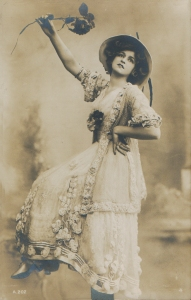 """Gabrielle Ray as """"Frou Frou"""" in """"The Merry Widow"""" 1907 (Rotary A.202.4)"""